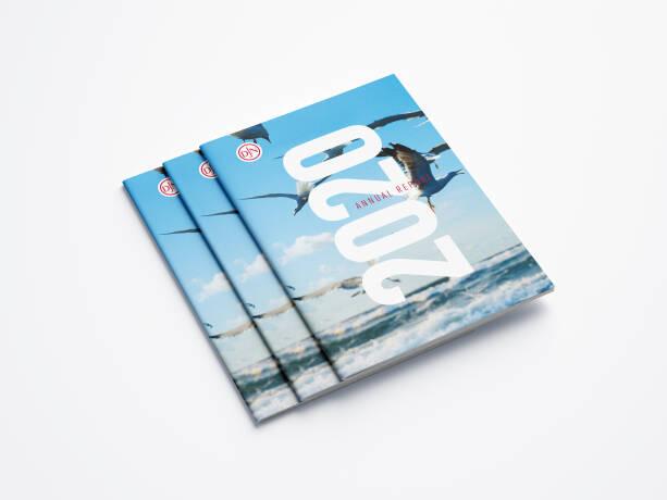 a4_brochure_mockup_an...