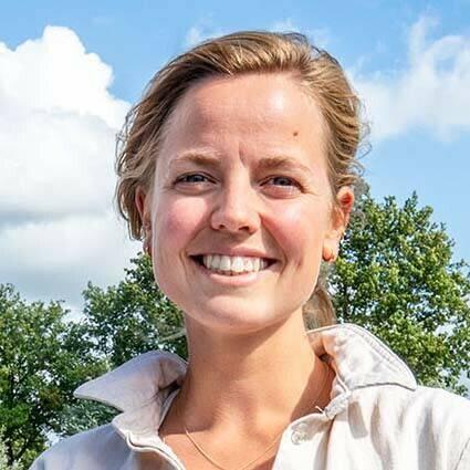 Foto van Fleur van Gool bij een korte biografie over haar.