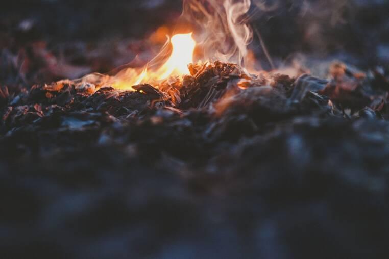 fire-2573586_1920.jpg